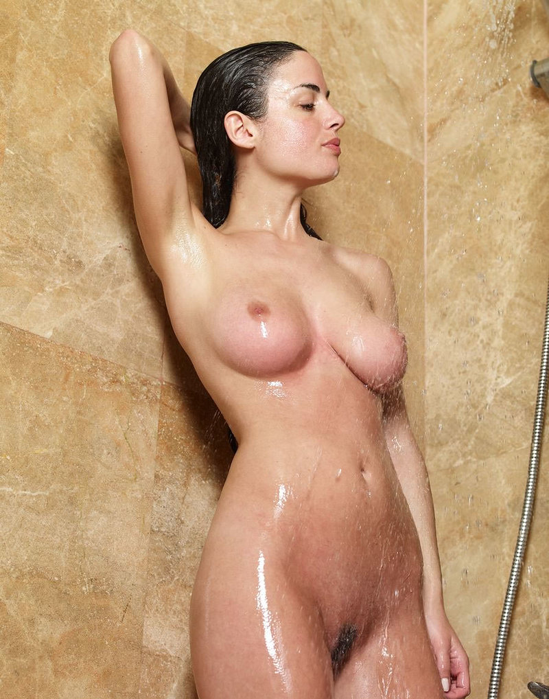 Free Cute Asian Girls Naked In The Shower