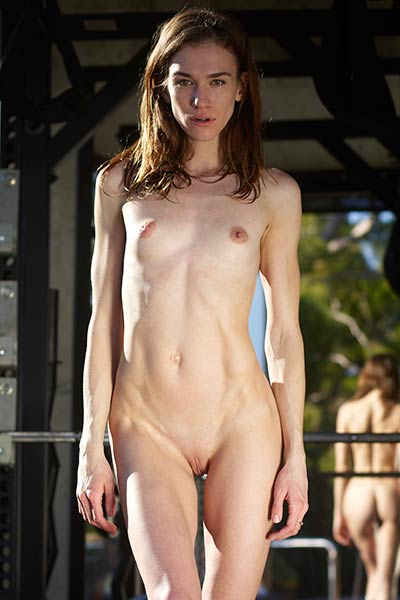 Such a magnificent view of a super slim and incredibly sexy babe