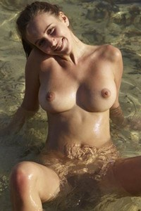 Sensual babe dazzles us with her nubile body and super smooth skin as she poses in the water