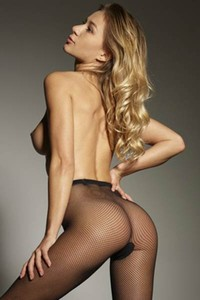 Smoking hot blonde Darina L strips off and shows a beauty of her body